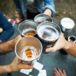 Hydro Flask 64 oz Bierflasche und Pint Becher für unterwegs – Bier wie frisch gezapft
